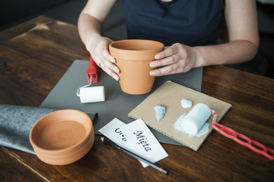 Doniczki na zioła przygotowanie
