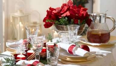Świąteczny stół bożonarodzeniowy