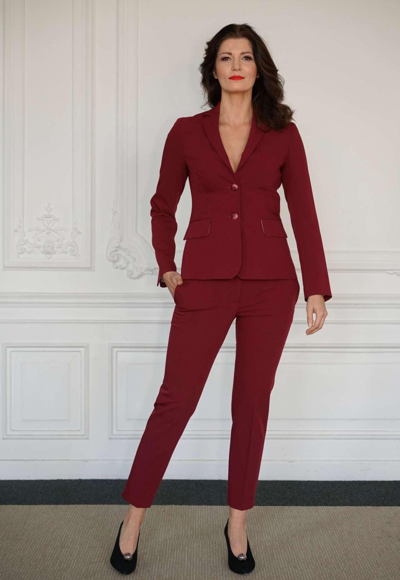 bordowy garnitur damski